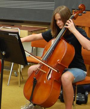 """CSA student plays cello"""