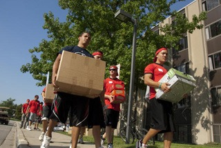 Move In Day volunteers