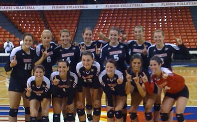 Huskies volleyball continues undefeated streak at UIC