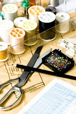 Photo of sewing tools, yarn