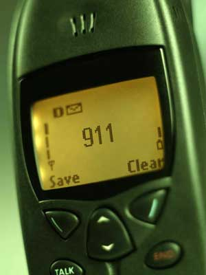 Photo of a cell phone dialing 911