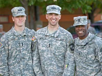 Members of NIU's ROTC Huskie Battalion
