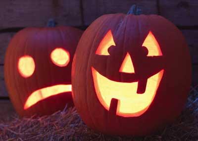 Photo of two jack-o-lanterns