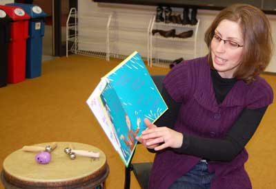 Sara Vogeler teaches the Musical Tales class.