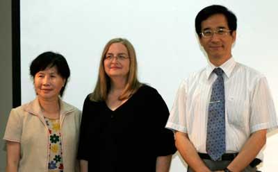 Tai-Hwa Emily Lu, Paula Hartman and Kun-Liang Chung gathered June 28, 2011, at the MOU signing ceremony.