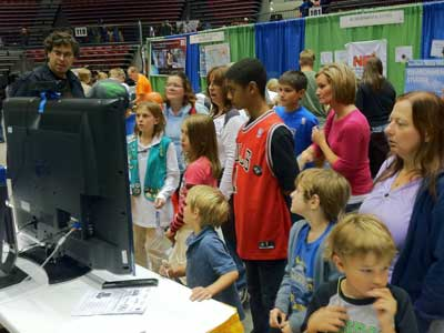 Visitors at STEMfest 2011 lined up to try Picodroid.