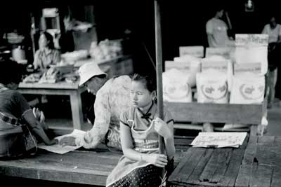 "Robert Gerhardt's ""Young Girl in the Market, Mae Sot, Thailand""(2006)"
