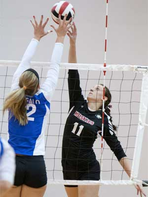 Volleyball tops Buffalo for 10th straight time