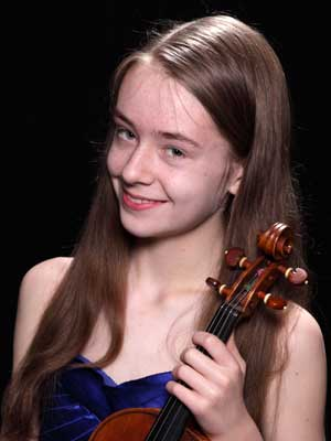 Concerto Competition winner Serena Harnack performed in February with the CSA Sinfornia.