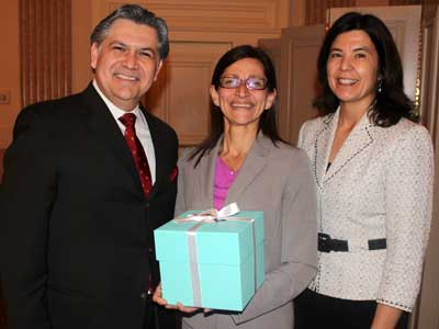 Federico Rodriguez, president of The Hispanic Lawyers Association of Illinois; NIU Law Dean Jennifer Rosato (who was honored with a Vanguard Award); and Cook County State's Attorney Anita Alvarez at the Vanguard Awards luncheon April 17 at the Standard Club in Chicago.