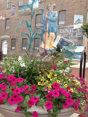 City of DeKalb mural at First Street and Lincoln Highway