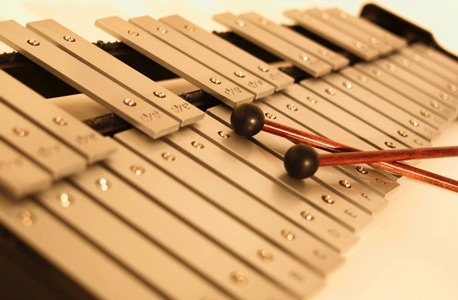 Photo of a xylophone and two mallets