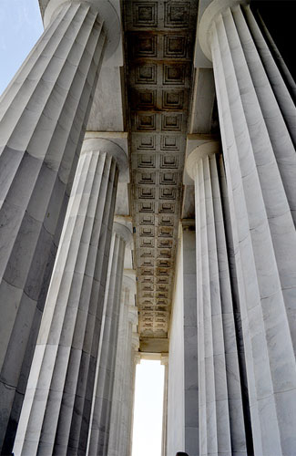 A photo of pillars at the Lincoln Memorial