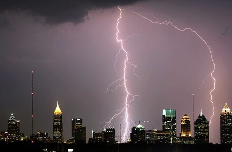 Lightning over Atlanta - xx - Credit - David Selby Wikimedia Commons