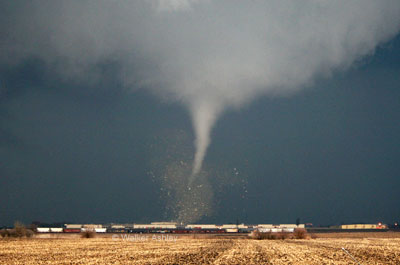 An early shot of the tornado near Franklin Grove, Ill. Photo courtesy Walker Ashley, NIU Deparment of Geography