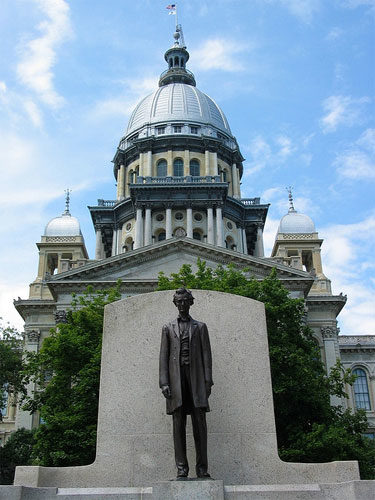 Photo of the Illinois State Capitol in Springfield