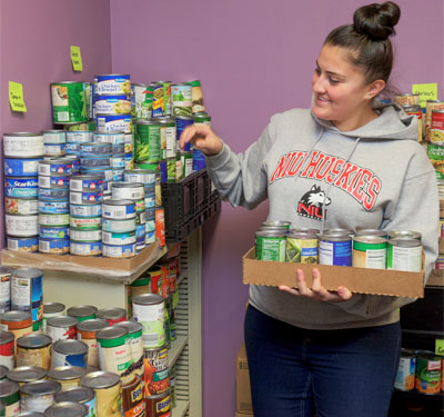 Huskies Student Food Pantry