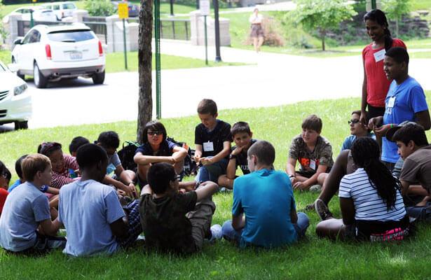 summer-camp-exploring