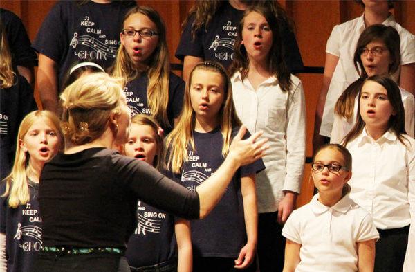 Childrens-Choir-Centerpiece