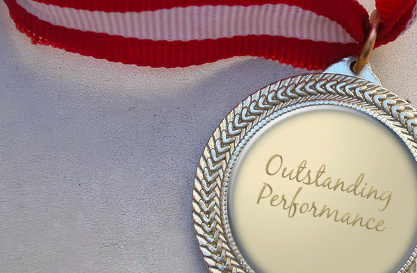 staff-award-centerpiece